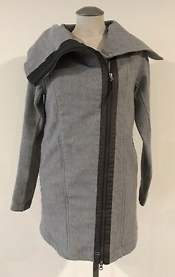 Lululemon Athletica Women's Wrap Jacket 8 Gray Zip Up Coat Long Sleeve Sweater