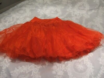 Red Petticoat M [12-14] 26 inches long.