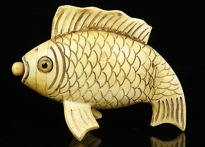 China Handwork Exquisite Carving Fish Statue Old Bone Snuff Bottles