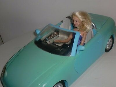 BRITNEY SPEARS - 2001 Sports Car Plus BRITNEY Doll - opening doors & boot