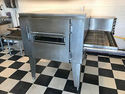 "Lincoln Impinger 1000  32"" Conveyor Pizza Oven (Gas)"