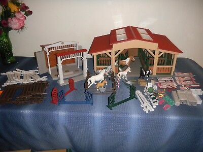 Schleich Stable Horses Lot Stable Fencing Many Accessories!