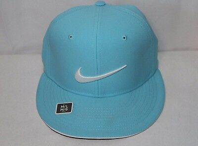 NIKE GOLF TRUE Statement Fitted Hat Size Medium L Light Blue 727032 ... 9fb22f876fc3