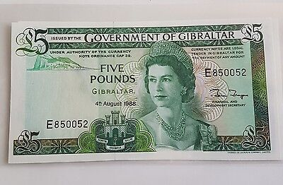 British Gibraltar 1988 5 Five Pounds GEM UNC Beautifull Young Queen !!!