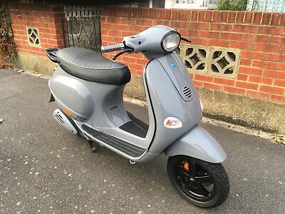 Vespa 125cc Scooter One Of A Kind Must Be Seen Lots Of Money Spent