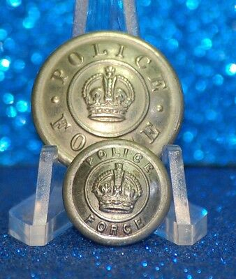 CANADA - CANADA POLICE FORCE UNIFORM BUTTONS (X2) - silver coloured