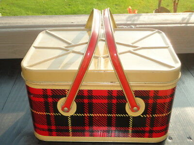 Vintage NESCO 50-60s Tin Metal Picnic Basket with accessories