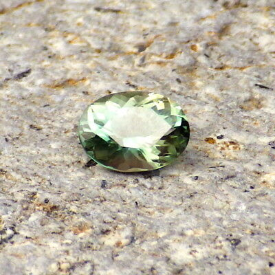 SEAFOAM GREEN OREGON SUNSTONE 0.68Ct FLAWLESS-SMALL RING SIZE-FOR TOP JEWELRY!