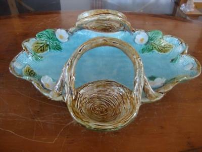 GOOD ANTIQUE 19th CENTURY MAJOLICA GEORGE JONES STRAWBERRY BASKET.