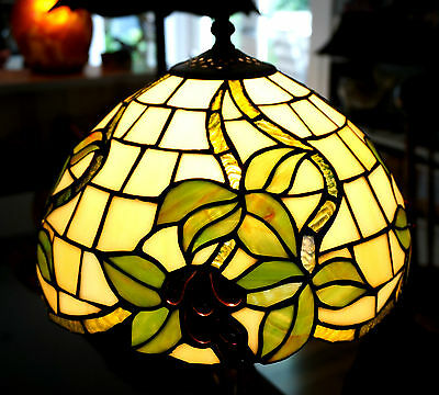 Beautiful Tiffany Style Lead light Table Lamp