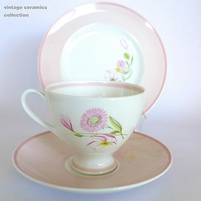 Exquisite 1950s SUSIE COOPER Footed Tea Cup Saucer Side Plate Trio Pink Flowers