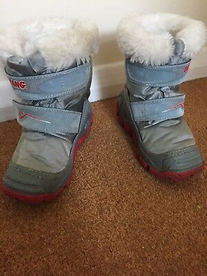 olang snow boots Size 7