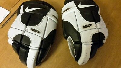 Nike ignite ice hockey gloves young adults