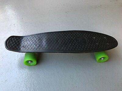 "Mambo Skateboard 22"" - Excellent Condition!"