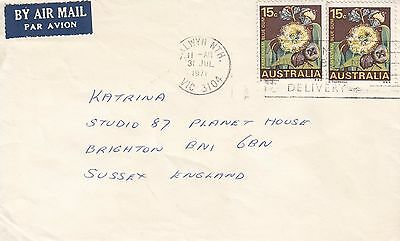 G 1557 Balwyn Nth Vic July 1971 air cover UK; 30c rate; 2 x 15c blue gum stamps