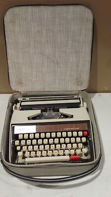 Brother Deluxe 1350 Manual Typewriter