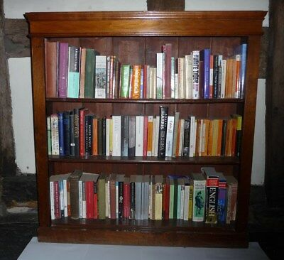 Antique Mahogany Bookcase - shelves can be self-positioned - good condition