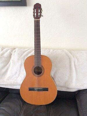 Spanish Raimundo classical guitar model 112