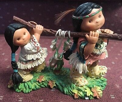 Friends of the Feather ''Thankful For Friends' Support'' Figurine
