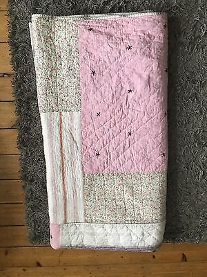 Double quilted shabby chic bed throw