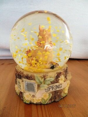 Brambly Hedge Set of 2 Snow Globes~Spring &Winter~Enesco