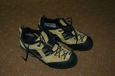 Aku approach shoes size 42 / 8 not used much