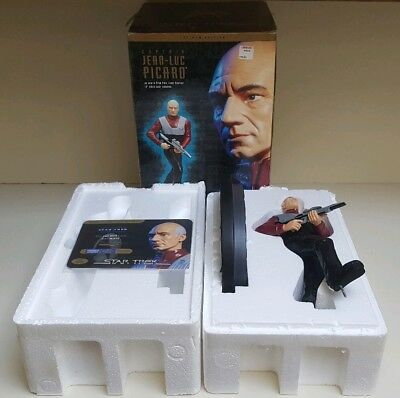 Star Trek First Contact Captain Picard Playmates Resin Statue 13 Inch Beautiful.