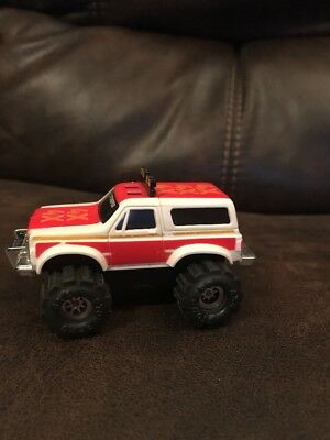 Schaper Stomper White And Red Chevy Blazer Light Works And Runs