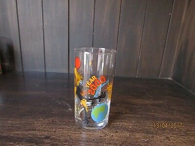 IXL Daffy Duck Year 2000 Limited Edition Collectors Glass, 2 of 6