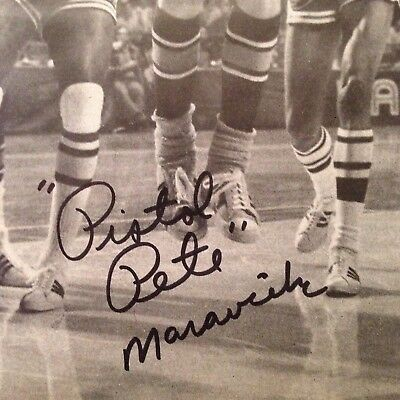 Pistol Pete Maravich Signed 1970 Rookie Year Autograph card Sports Illustrated