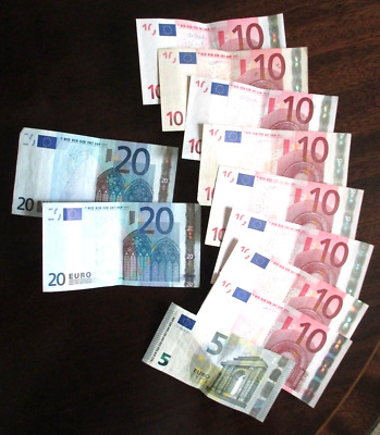 Left over holiday money 125 euros - euro banknotes - No reserve - 99p start !!!
