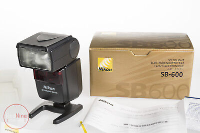 Nikon Speedlight SB-600 As New-Little Use, with Original Box and Case +Diffusers