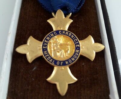 Gloops Club Medal Of Honour Newcastle Chronicle Rutherford College Ww2 Jewish Dr