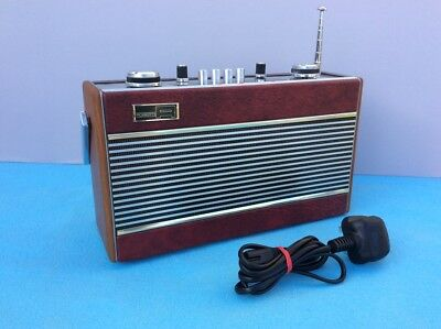 ROBERTS R606MB - Vintage 3 Band Radio in Excellent Condition