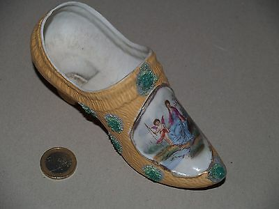 ancien sabot faience(biscuit)medaillon scene galante