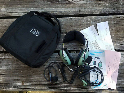 Very Nice Used David Clark H10-40 Aviation Headset With Push-To-Talk Button