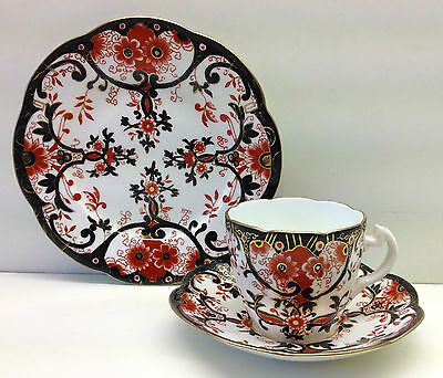 "Wileman Lily Shape ""Japan"" Imari Pattern Tea Cup Trio."