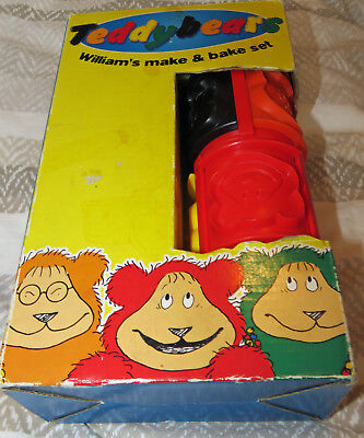 Make & Bake Set 12 pieces Rolling Pin & Shape Cutters Multicoloured Age 3+ Toy