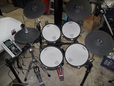 Roland Pd-105 Td9 Drum Set And Speaker Amp Pm-03 With Cover