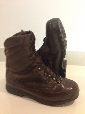 Size 10 brown combat cold wet weather SF karrimor boots! Very Good Condition!