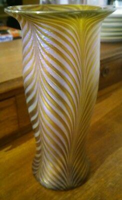 SIGNED CZECH BOHEMIAN ART GLASS PULLED FEATHER AMETHYST & GOLD VASE tall vintage