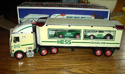 HESS 1997 TRUCK & RACE CARS w/Box