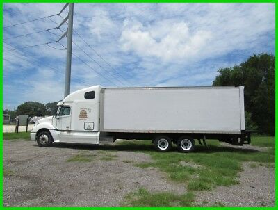 2006 Freightliner columbia box truck sleeper tandem axle  financing available