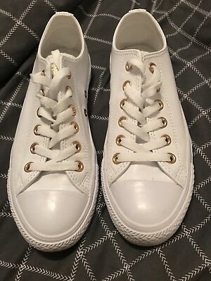 Women's Size 7 White And Gold Converse
