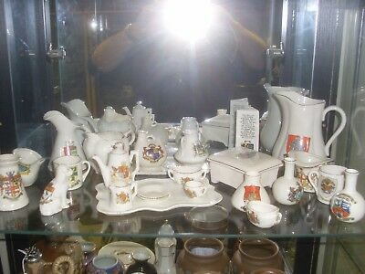 Mixed Lot f Crested China