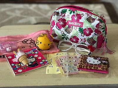 Hello Kitty Make up Bag with accesories