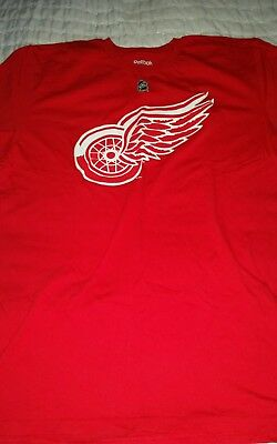 Detroit Red wings shirt