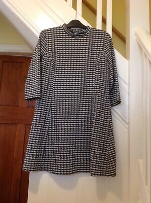 Black And White Dress Retro Style Winter Size 18