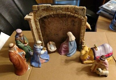 Avon Holy Night Nativity Collection Creche,1989 complete set. Missing 1 wise man