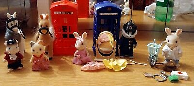 Sylvanian Families - Figures lot and accessories - Police, horses, ballet set